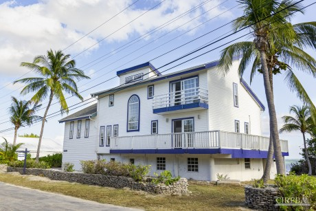 WATERFRONT HOUSE - LITTLE CAYMAN, 409565, Residential Properties