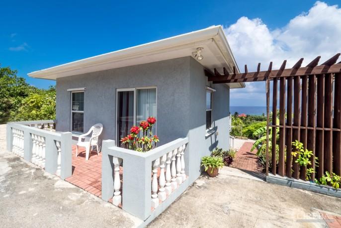 CAYMAN BRAC GUEST HOUSE PLUS BEACH FRONT LOT - Image 19