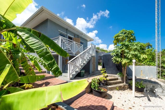 CAYMAN BRAC GUEST HOUSE PLUS BEACH FRONT LOT - Image 25