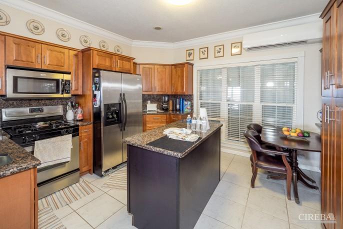 CAYMAN BRAC GUEST HOUSE PLUS BEACH FRONT LOT - Image 26