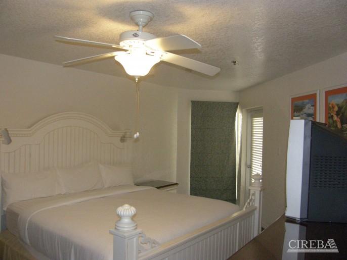 HOLIDAY INN ROOM 1108 &1110; - Image 2
