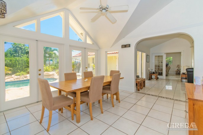 CAMELOT DRIVE FAMILY HOME - Image 2
