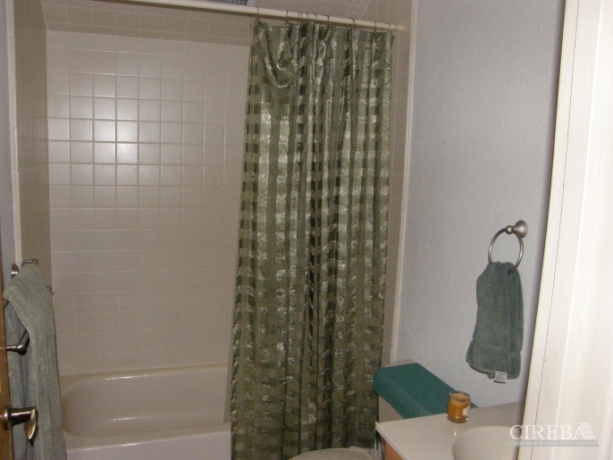 LOWER VALLEY HOME - Image 12