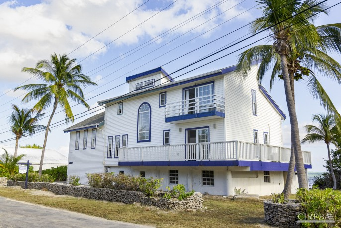 WATERFRONT HOUSE - LITTLE CAYMAN