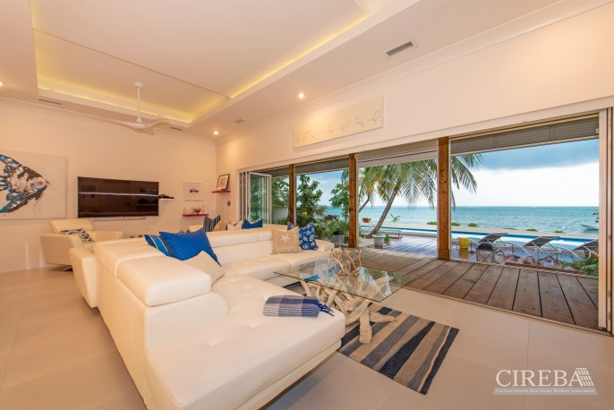 WHITE COTTAGE BEACH FRONT ESTATE HOME - Image 8