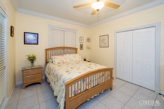 CAYMAN BRAC GUEST HOUSE &  BEACH LOT ! - Image 5