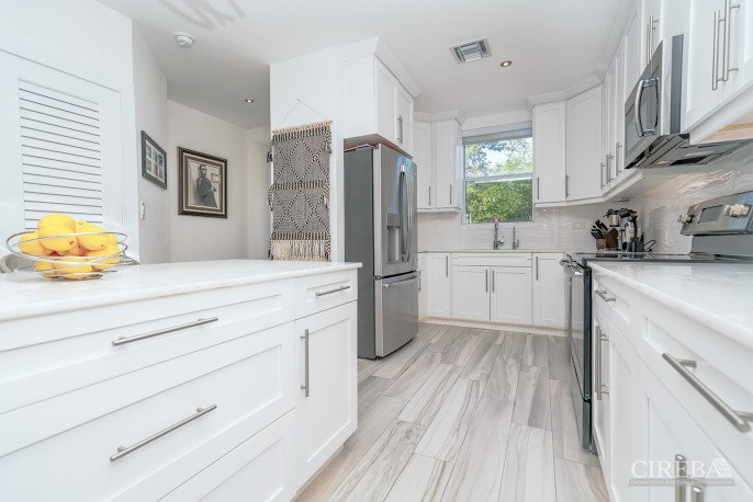 LUXURY PARKWAY TOWNHOME - MOVE-IN-READY! - Image 3
