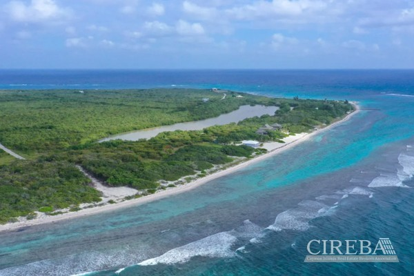 LAND NEAR POINT OF SAND LITTLE CAYMAN EAST - Image 1