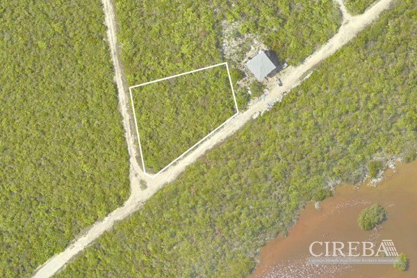 LITTLE CAYMAN LOT NEAR POINT OF SAND - Image 3