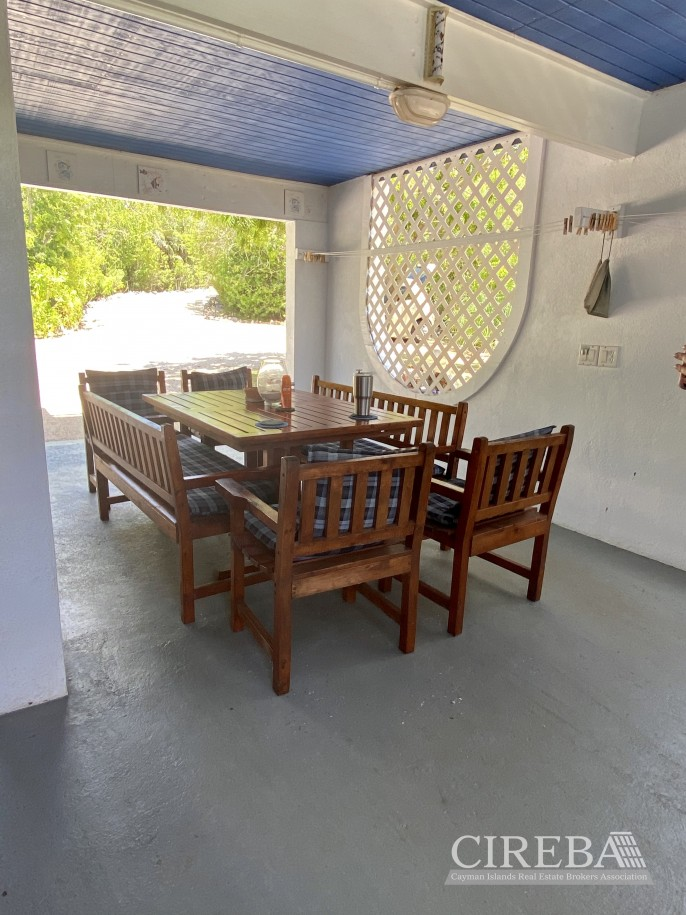 CAYMAN BRAC COTTAGE ON OVER 7 ACRES OF LAND - Image 5