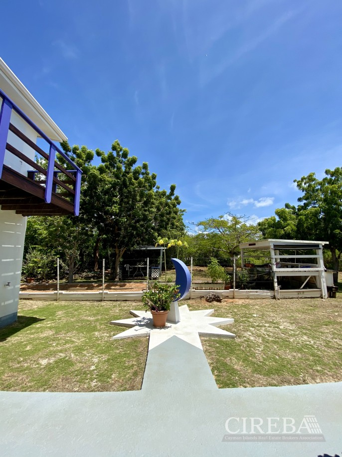 CAYMAN BRAC COTTAGE ON OVER 7 ACRES OF LAND - Image 6