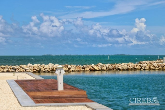 DIAMOND'S EDGE WATERFRONT ESTATE LOT - Image 7