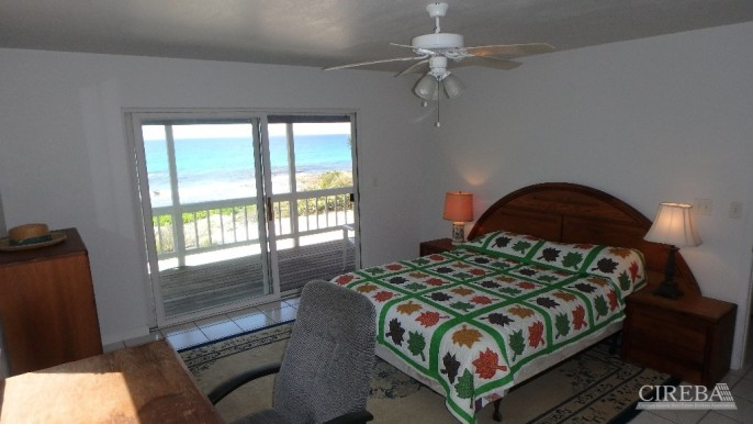 PRESTON BAY BEACH FRONT HOUSE - Image 5
