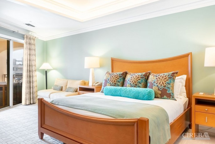 THE RITZ-CARLTON PRIVATE RESIDENCE #609 - Image 13
