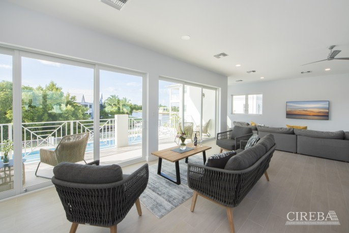 PERIWINKLE II WATERFRONT WITH SERVICED DOCK - Image 1