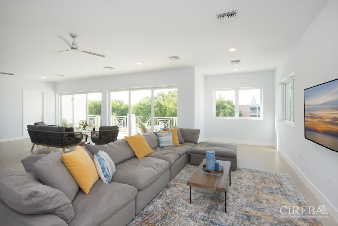 PERIWINKLE II WATERFRONT WITH SERVICED DOCK - Image 3