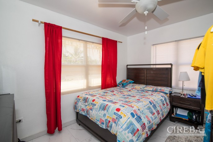 IMMACULATE THREE BED HOUSE WITH POOL AND TWO RENTAL UNITS - Image 16