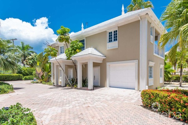 A-BIT-A KAI BEACH FRONT RESIDENCE W/GUEST HOUSE, BOAT GARAGE AND DOCK! - Image 13