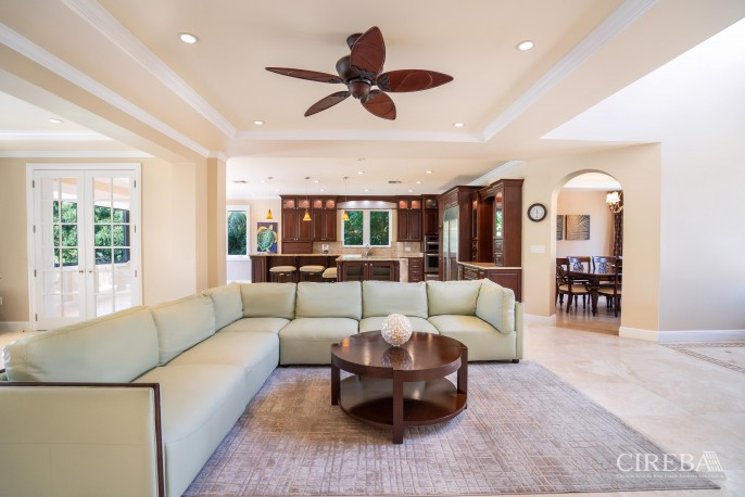 YACHT CLUB EXECUTIVE HOME - Image 3