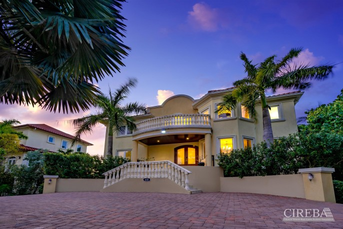 YACHT CLUB EXECUTIVE HOME - Image 19