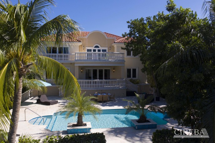 YACHT CLUB EXECUTIVE HOME - Image 17
