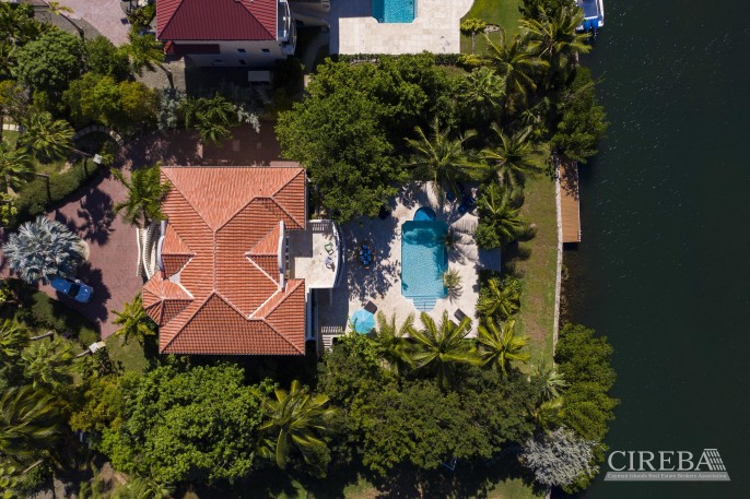 YACHT CLUB EXECUTIVE HOME - Image 22