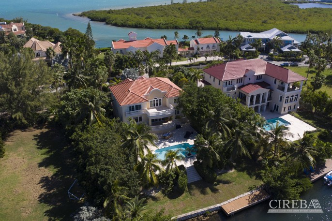 YACHT CLUB EXECUTIVE HOME - Image 21