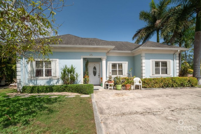 INCOME PRODUCING SPOTTS DUPLEX WITH POOL - Image 4
