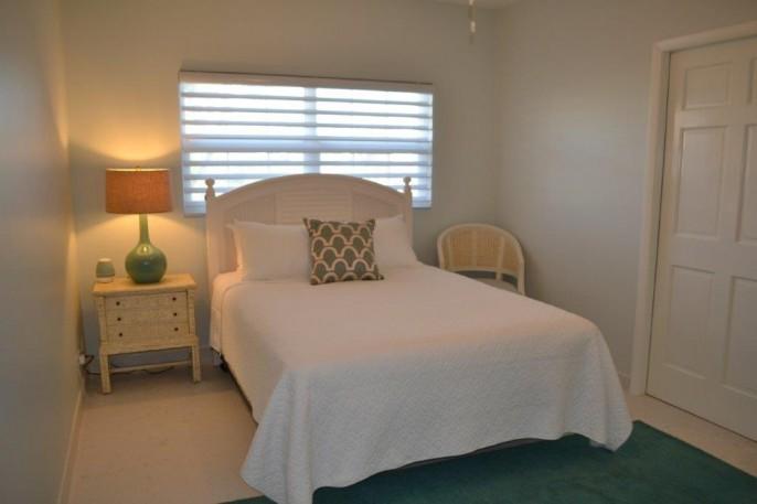 COLONIAL CLUB   SEVEN MILE BEACH 3 Bedroom Beach Front Condo (!) #14 - Image 18