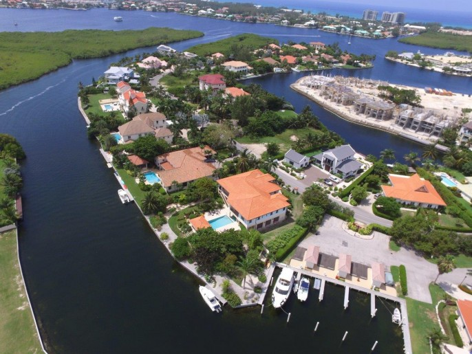 The Dock House, a YACHT CLUB & VISTA DEL MAR Residence - Image 7