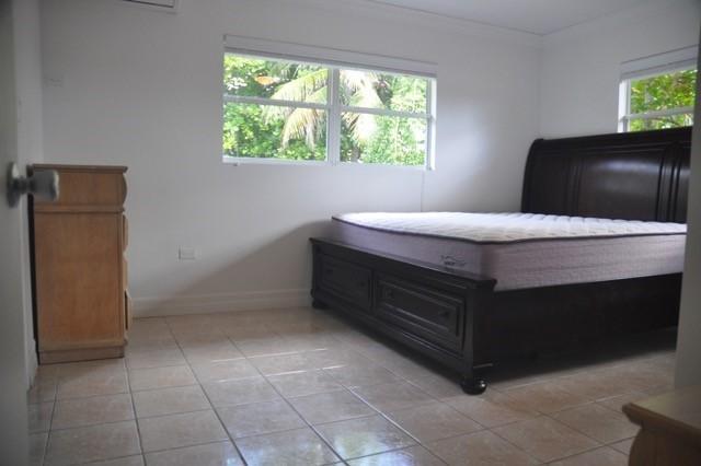 Villa Azul, West Bay Residence - Image 2