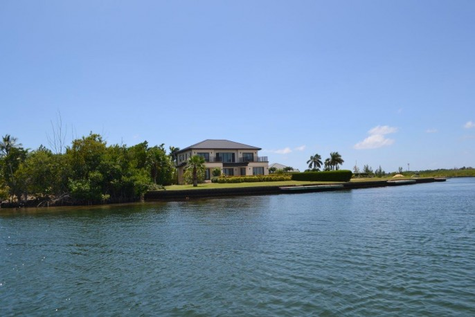 the AQUILO Residence, at the tip of South Reach, Grand Harbour - North Sound Ocean Frontage - Image 25